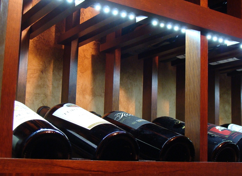 High Reveal Wine Display Row