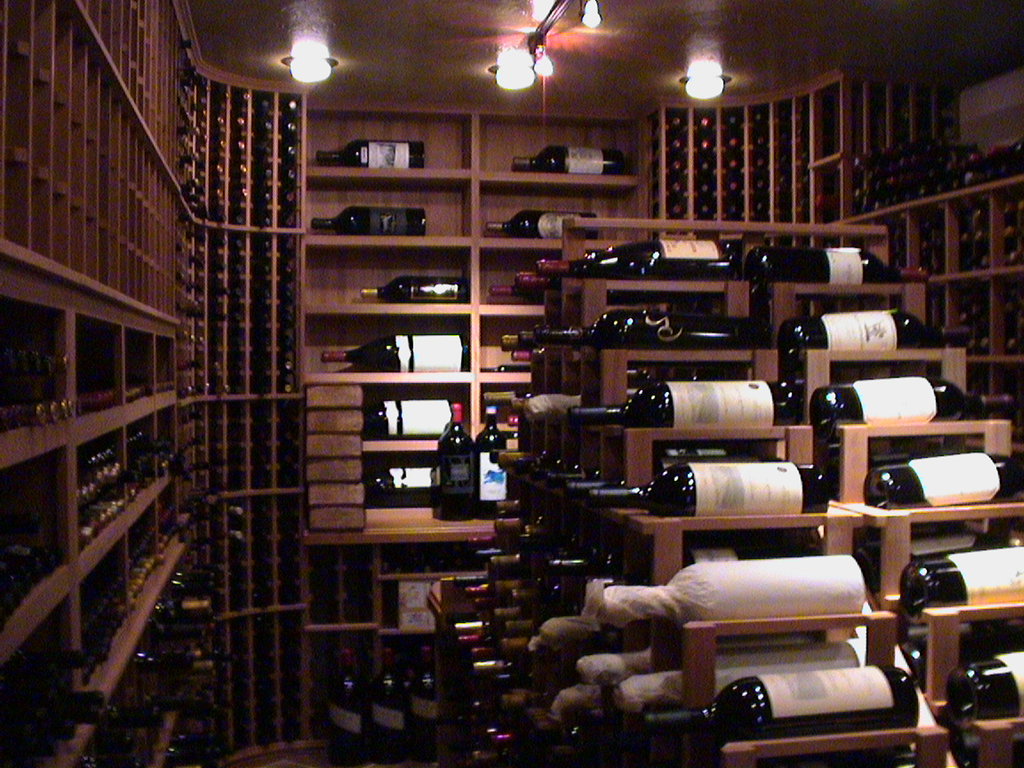 Professional cooling specialists in Los Angeles, like M&M Cellar Systems are experts at building effective commercial wine storage structures. Click here to know the requirements of a quality wine room!